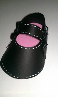 Classic MaryJane baby shoe made with CTMH Artiste cricut cartridge Baby Booties, Baby Shoes, Artist Project, Cricut Air, Cricut Cartridges, Cricut Cards, Close To My Heart, Cricut Explore, Cricut Ideas