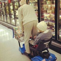 32 Awesome Old Couples Who Prove That Age Is Just A Number | 22 Words
