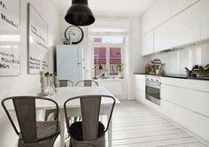 Minty Inspirations | wystrój wnętrz, dodatki i dekoracje do domu, zdjęcia, inspiracje: Black & white plus mieszanka stylów