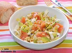Amplía tu recetario de ensaladas con salmón ahumado con la propuesta de hoy, es sencilla pero muy sabrosa y fácil de hacer. Aquí tienes la receta de Ensalada de endibias con aguacate, salmón y avellanas, con una vinagreta muy sabrosa que querrás preparar incluso para mojar pan. Salmon Y Aguacate, Food Truck, Potato Salad, Entrees, Potatoes, Ethnic Recipes, Blog, Gastronomia, Winter Salad
