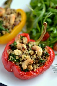 Lentil, Cashew, and Quinoa Stuffed Bell Peppers vegan Veggie Recipes, Whole Food Recipes, Vegetarian Recipes, Dinner Recipes, Cooking Recipes, Healthy Recipes, Lentil Recipes, Salad Recipes, Vegan Stuffed Peppers