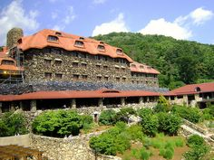 Grove Park Inn, Asheville NC, Buncombe County by Bass Player Keith Hall, via Flickr