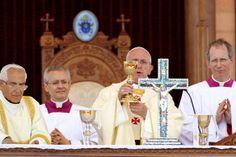 Papa Francisco visitou local do Batismo de Jesus e rezou pela conversão de quem alimenta a guerra   Secretariado Nacional da Pastoral da Cultura