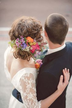 Bright Wedding Hair Flowers | Amy Skinner Photography