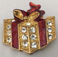 Brooch Christmas Package Clear Crystals with Red Enamel in Goldtone 1.25 inch x