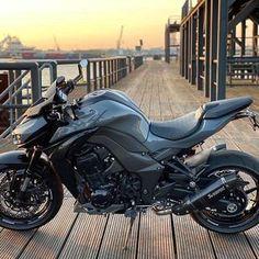 MotorStof.nl (@motorstof.nl) • Instagram-foto's en -video's Videos, Motorcycle, Instagram, Pictures, Motorcycles, Motorbikes, Choppers