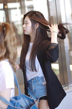 The Most Beautiful Girl, Beautiful Asian Girls, Kpop Girl Groups, Kpop Girls, Yuri, New Street Style, Honda, Japanese Girl Group, Kim Min