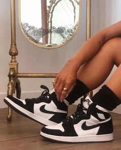 Sneakers Fashion, Fashion Shoes, Shoes Sneakers, Shoes Heels, Jordan Shoes Girls, Girls Shoes, Zapatos Nike Jordan, Tennis Shoes Outfit, Aesthetic Shoes