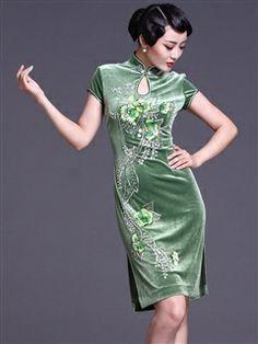 Women's Velvet Polyester Knee-length Beading Cheongsam Dress