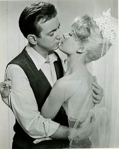 Sandra Dee and Bobby Darin 'If a Man Answers,' Real life married/ divorced Hollywood Couples, Hollywood Actor, Celebrity Couples, Hollywood Stars, Celebrity Weddings, Classic Hollywood, Old Hollywood, Sandra Dee Movies, James Darren