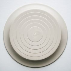 Hornsea / Concept / Martin Hunt and Colin Rawson / 1977 / salad plate / stoneware / reverse / showing concentric circles, fractionally raised to create the pattern / Kitsch n ware