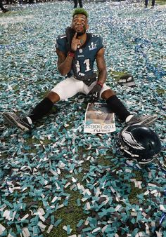Jalen Mills soaking it all up.You only get to win your first #SuperBowl once. (AP/York)
