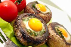 Champiñones rellenos de huevo de codorniz - Recetín