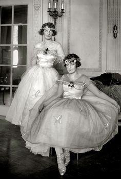 """New York circa 1920. """"Dorothy Leary & Dorothy Quinn."""""""