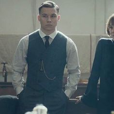 Mum and me. Finn Cole, Joe Cole, Peaky Blinders, Boardwalk Empire, Beautiful Men, Beautiful People, Red Right Hand, Suits, How To Look Better