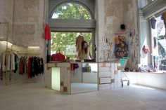 Meanwhile, kirchengasse has proven recently to be a popular strip amongst young indie fashion designers to set up shop. its pioneers include the likes of Space Architecture, Shop Front Design, Shop Interior Design, Vienna, Decor Styles, Shopping, Home Decor, Indie Fashion, City Guides