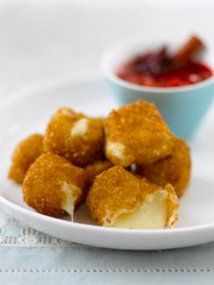 deep fried brie bites with raspberry dipping sauce