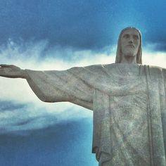 #jesus #statue #rio #riodejaneiro #bluesky #cloudy Mount Rushmore, Statue, Mountains, Photo And Video, Photography, Instagram, Rio De Janeiro, Photograph, Fotografie