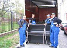 Nasi pracownicy. Gotowi do pomocy przy przeprowadzce.  Sprawdź ofertę na http://autotransport-szczecin.pl/pl/oferta