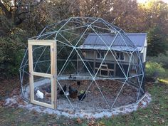 This 16 ft Geodesic Dome Outdoor Aviary, Flight Cage, Animal Pen with Avian Netting is just one of the custom, handmade pieces you'll find in our bird cages shops. Sauna Infravermelho, Jacuzzi Covers, Geodesic Dome Kit, Geodesic Dome Greenhouse, Chicken Enclosure, Cat Enclosure, Pond Covers, Flight Cage, Carport With Storage