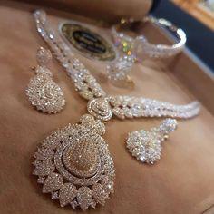 Yellow and White Diamond set Stylish Jewelry, Luxury Jewelry, Jewelry Sets, Fine Jewelry, Fashion Jewelry, Women Jewelry, Indian Wedding Jewelry, Indian Jewelry, Bridal Jewelry