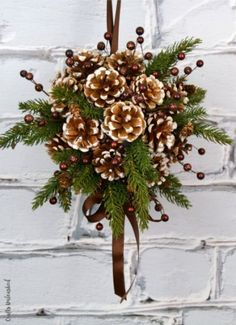 DIY Kissing Ball with Pine Cones