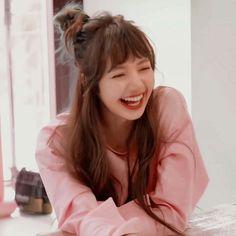 Kpop Girl Groups, Korean Girl Groups, Kpop Girls, Jennie Blackpink, Blackpink Lisa, Forever Young, K Pop, Rapper, Thai Princess