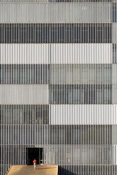 Brasilia, Architect Oscar Niemeyer, Photography by Bernie DeChant Oscar Niemeyer, Building Skin, Building Facade, Design Oriental, Facade Pattern, Facade Architecture, French Architecture, Architecture Interiors, Facade Design
