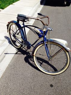 "1941 Schwinn LaSalle Autocycle - I recently acquired this from a friend. Its what I believe it to be a 41' Schwinn . has a few 41' only things on it but has a ""F"" serial making it a 40'. A"