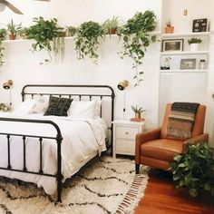 Lovely Bohemian Style Master Bedroom Ideas is part of Home Accessories Styling Bedrooms A Boho Chic Bedroom is which sort of space that perfectly matches your character Bohemian style is a more - Bohemian Bedroom Design, Boho Chic Bedroom, Stylish Bedroom, Bohemian Style Bedrooms, Home Decor Bedroom, Modern Bedroom, Bedroom Furniture, Bedroom Green, Modern Bohemian