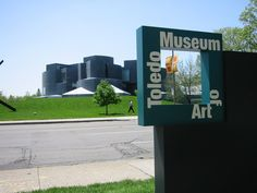 Project image 1 for Signage, Toledo Museum of Art