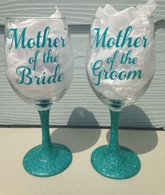 Items similar to Wedding Day Mother of the Bride and Mother of the Groom Glitter Stem & Vinyl Wine Glass - on Etsy Wedding Crafts, Gifts For Wedding Party, Diy Wedding, Wedding Day, Wedding Stuff, Dream Wedding, Table Wedding, Wedding Tips, Wedding Decorations