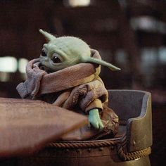 Yofi - Stars — You can't just leave cute little children alone to… - Yoda Gif, Yoda Meme, Yoda Funny, Star Wars Baby, Anakin Vader, Cuadros Star Wars, Images Star Wars, Reylo, Clone Wars