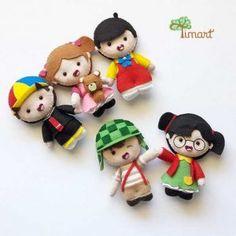 Loja online da Timart onde você encontra uma incrível variedade em moldes e apostilas para confeccionar os Pocket Toy em feltro, mais fofos do mundo! Felt Diy, Handmade Felt, Felt Crafts, Diy And Crafts, Felt Animal Patterns, Stuffed Animal Patterns, Disney Ornaments, Diy Christmas Ornaments, Felt Dolls