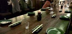 Hati hati kalap kalau ke sushi groove. Menunya enak enak dan menggugah selera. Sushi modifikasi dengan tambahan mayones dan aneka campuran jadi andalannya. Tempatnya juga nyaman dan modern, asyik dikunjungi bareng teman teman.