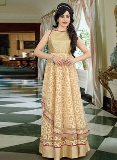 Is Designed Georgette Fabric With Lace Border Work Fancy Designer Gown. Indian Wedding Outfits, Indian Outfits, Wedding Wear, Wedding Gowns, Party Wear Dresses, Summer Dresses, Indowestern Gowns, Gown Suit, Ladies Party