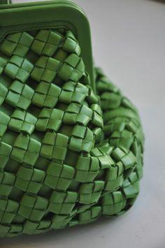 Vintage Bottega Veneta bag, the details My Bags, Purses And Bags, Beautiful Handbags, Fabric Manipulation, Leather Design, Shades Of Green, Bottega Veneta, My Favorite Color, Fashion Bags