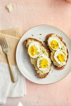 Smashed Eggs on Toast with Artichoke Spread