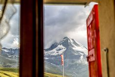 Die besten Hotels in den Schweizer Bergen sind in diesem Artikel zu finden. Beste Hotels, Bergen, Windows, Swiss Guard, Travel Advice, Summer, Nice Asses, Window, Ramen