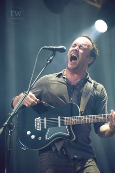 Dave Matthews I love the emotions he puts into every word he sings Music Is Life, My Music, Matthew 3, Love Him, My Love, Band Pictures, Dave Matthews Band, Him Band, 3 I