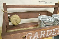 DIY Garden Tote with wire mesh bottom and string holder www.homeroad.net