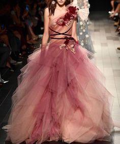 #Marchesa #Spring2018 #nyfw Do you love this #promdress?? #dress #hautecouture #highfashion #altamoda #altacostura #weddingdress #weddinggown #embroidery #wedding #bridal #bridetobe #bridesmaid #wed #weddingstyle #embroidery #longdress #longgown #princessdress #promdress #princess #queen #couture #gown #marsendress #promgown