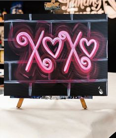 💕 𝑿 𝒐 𝒙 𝒐 💕 Only 35 days left until Valentine's Day 💕 Cool Diy Projects, Craft Projects, Canvas Art, Canvas Ideas, Canvas Paintings, Simple Acrylic Paintings, Paint Party, Paint By Number, Beautiful Paintings