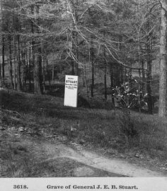 An 1865 photograph of the original marker for J. Stuart's grave in Hollywood Cemetery in Richmond, Virginia. Hollywood Cemetery, In Hollywood, Cemetery Angels, Virginia History, Grave Markers, America Civil War, Richmond Virginia, Historical Photos, 19th Century