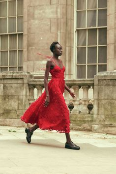 Silk Midi Dress, Tulle Dress, Erdem, Delpozo, Fashion Show, Fashion Design, Red Fashion, Fasion, Fashion Trends