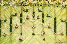 Shopzters is a South Indian wedding website Marriage Decoration, Wedding Stage Decorations, Engagement Decorations, Backdrop Decorations, Festival Decorations, Flower Decorations, Anniversary Decorations, Diy Backdrop, Wedding Mandap