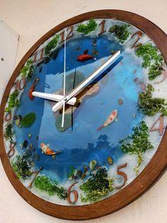 #homeliving #homedcor #clocks #epoxyresinclock #epoxywallclock #clockforwall #epoxyclock #resinclock #wallclock #epoxyart #woodresinclock #epoxyclockwall #epoxywoodclock #epoxywoodwallart #epoxyandwood #woodclockforwall Epoxy Table Top, Wooden Table Top, Resin Table, Wooden Art, Wooden Walls, Wood Wall Art, Wall Aquarium, Handmade Wall Clocks, Wood Clocks