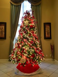 red and white christmas red and gold christmas tree different christmas trees gold christmas