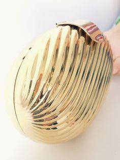 Bolsa concha dourada - Brexódó =) Brechó online