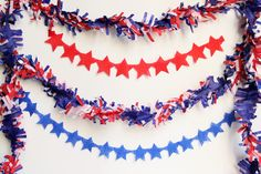 Red, white, and blue DIY Memorial Day party ideas - DIY Star Streamers July 4th Wedding, 4th Of July Party, Fourth Of July, Martha Stewart, Memorial Day, Diy Star, 4th Of July Photos, Star Template, Diy Party